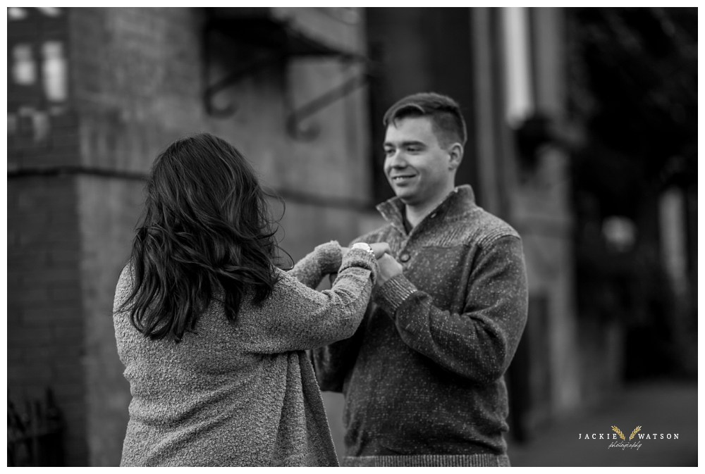 engagement-downtown-norfolk-pagoda-garden-21