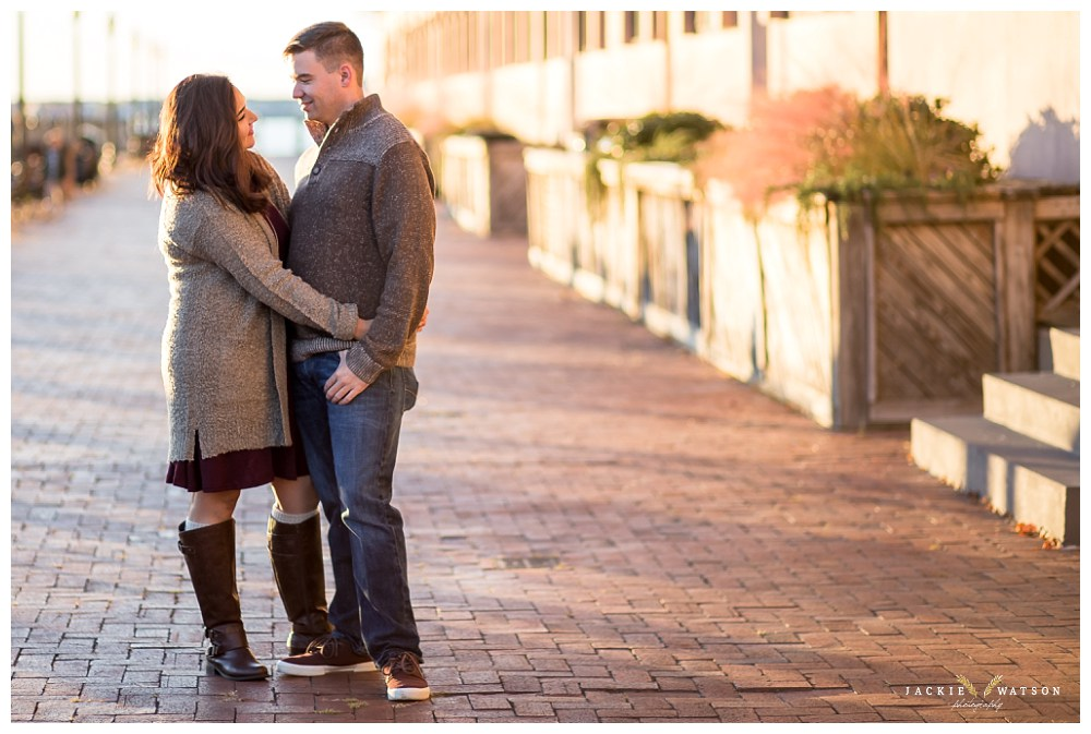 engagement-downtown-norfolk-pagoda-garden-28